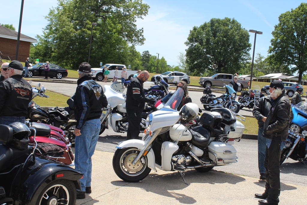 2020 Pardae ride to Heflin Nursing Home with Bernie McMichael 5